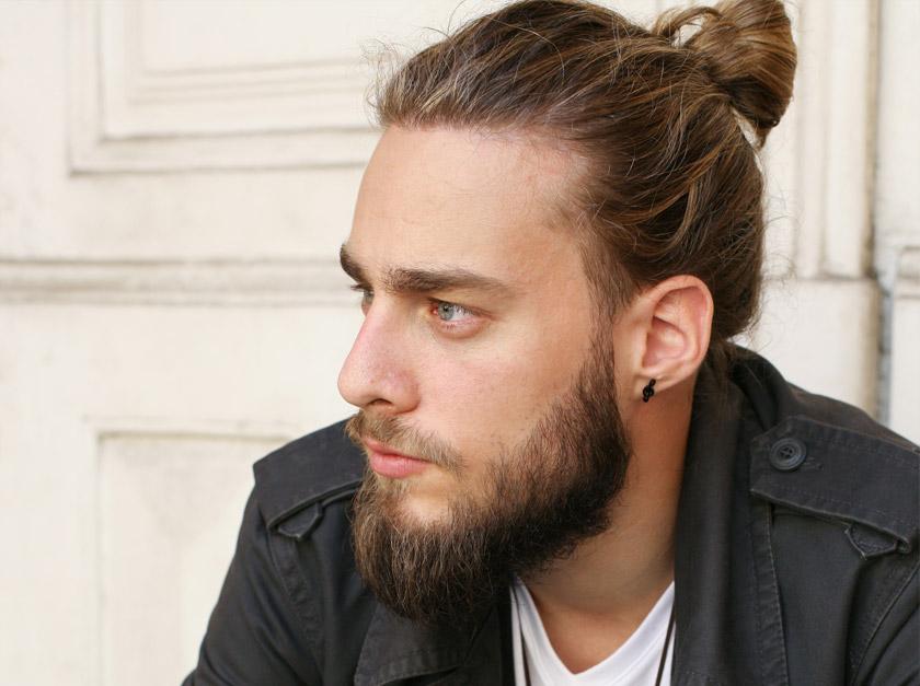 Peinados para chicos con pelo largo